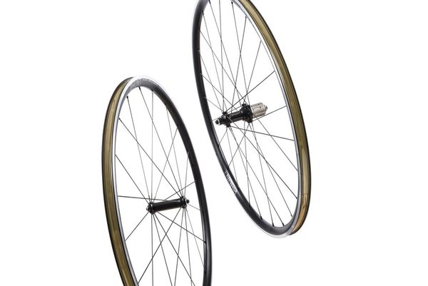 HUNT Race Aero Wheelset click to zoom image